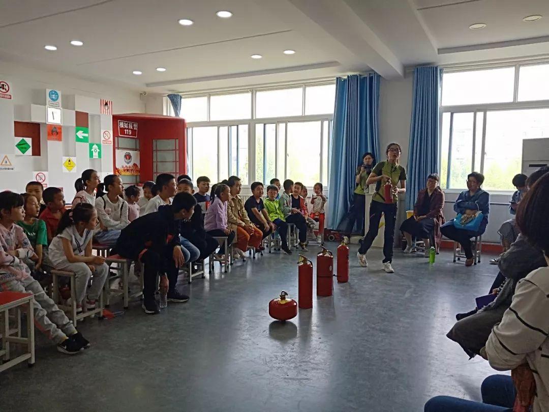 无棣县商业圈的小成员们参加安全知识体验实践活动