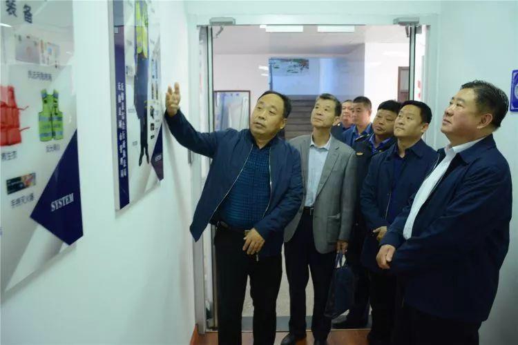 滨州市城市管理局党组成员、副局长孟祥东带队到无棣县综合行政执法局就基层执法规范化建设进行专题调研