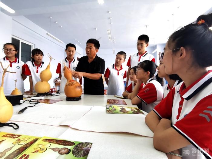 """无棣非遗""""葫芦烙画""""进校园 传统国粹记心间"""