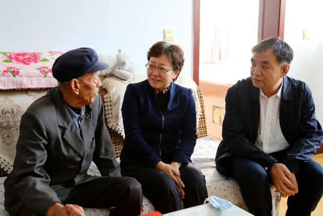 潘青到无棣县走访慰问老年人