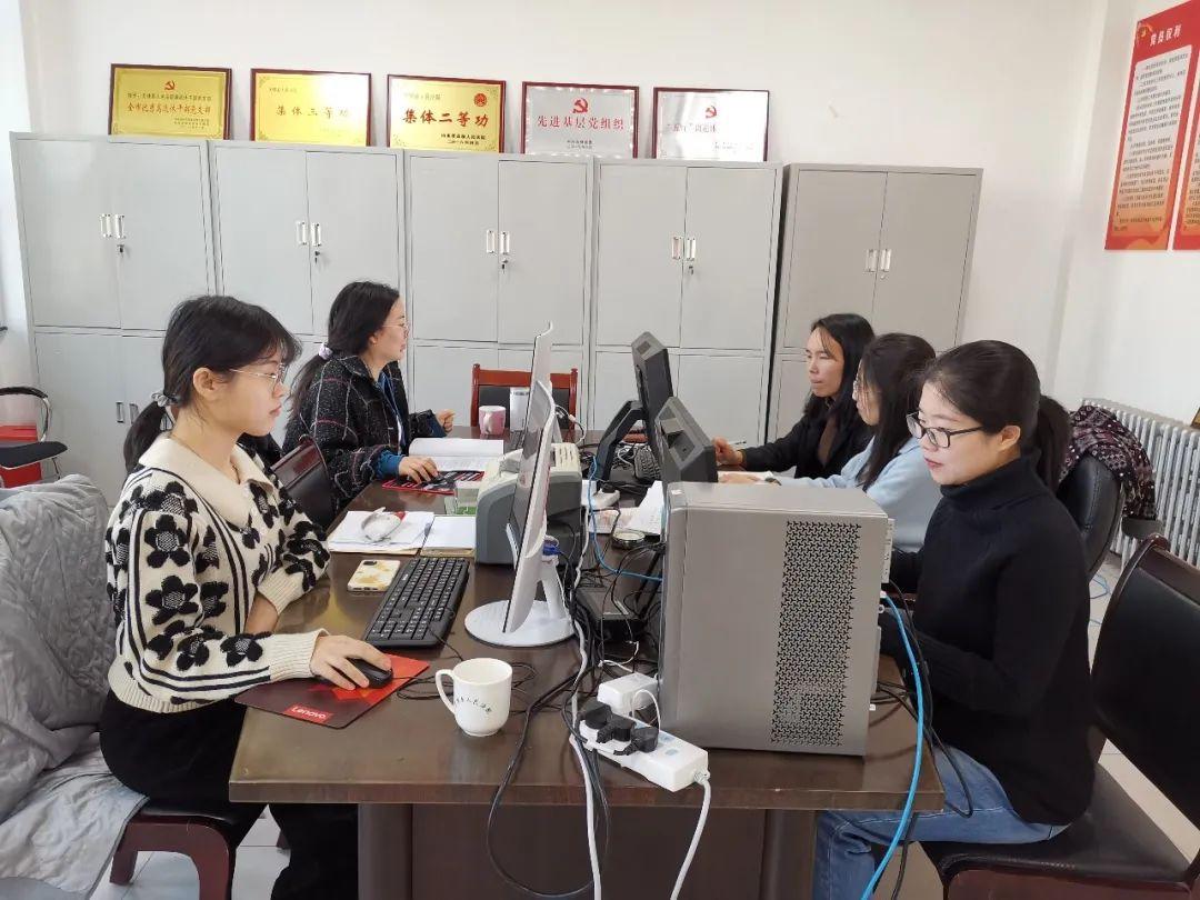 无棣县各级团组织学习贯彻党的十九届五中全会精神